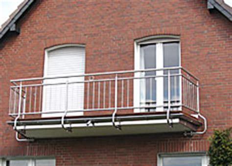 treppengeländer edelstahl konfigurator treppen gel 228 nder balkon pfosten st 252 tze steher treppe
