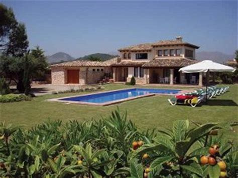 villa moliner in pollensa majorca sleeping 8 in 4 bedrooms