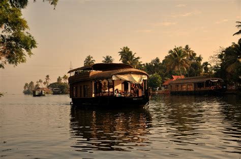 kerala houseboat romance top 5 most romantic places and hotels in india