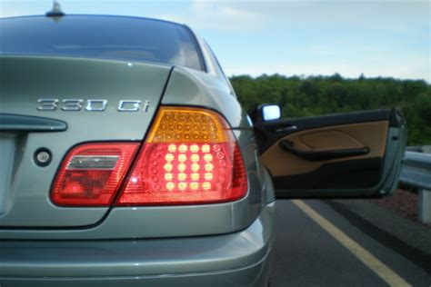 How To Turn Hazard Lights by When Is It Appropriate To Use Hazard Lights Car