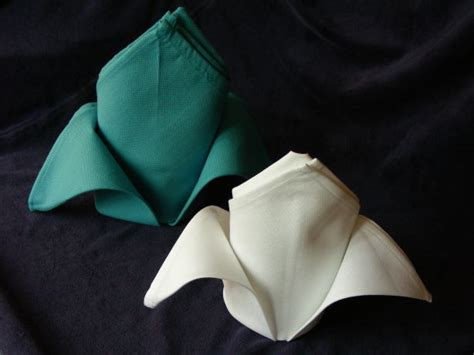 Folding Serviettes Paper - serviette napkin folding the fleur de lis recipe food