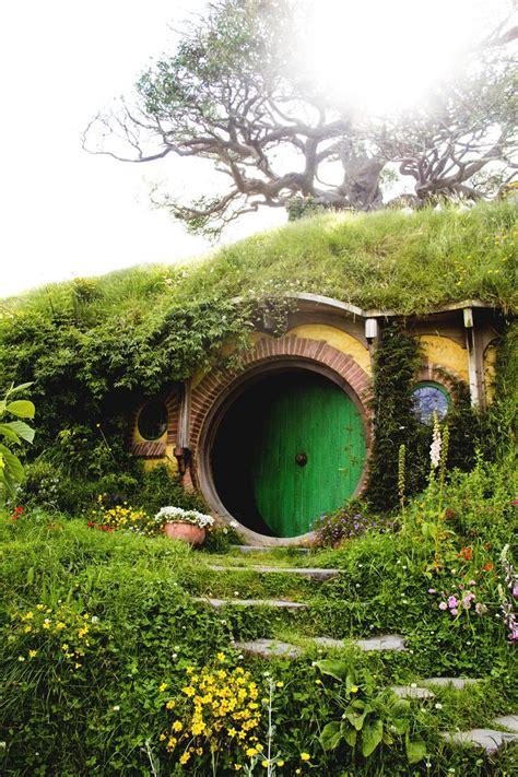 hobbit house new zealand hobbiton matamata new zealand ohh the places i ll go
