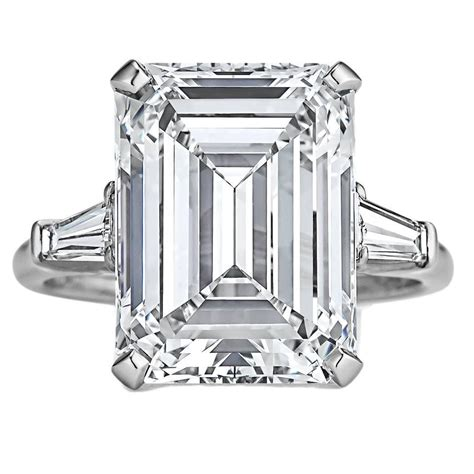 harry winston 7 74 carat internally flawless emerald cut