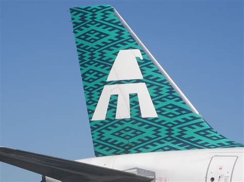 la aviacin en la mexicana de aviacion tail la hermosa cola de un airbus de flickr