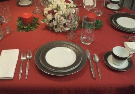 how to set a dinner table how to set a formal dinner table glasses
