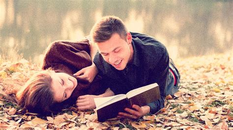 couple pic 13 reasons why couples who read together stay together
