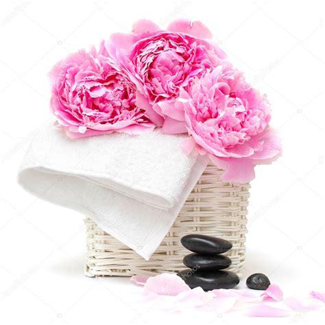 fiore spa concetto di relax spa con fiore e pietre foto stock