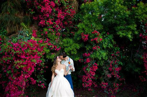 how to throw a backyard wedding how to throw a colorful spring backyard wedding 100