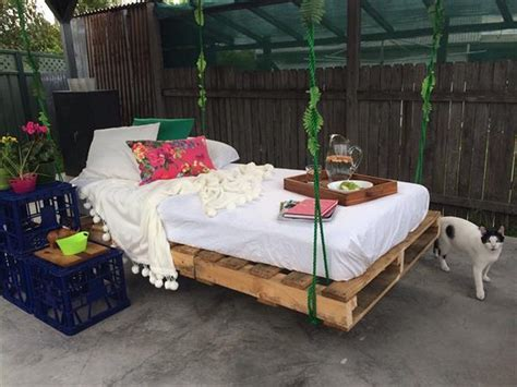 pallet swing bed swing bed made from wooden pallets pallet wood projects