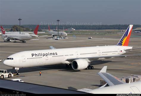 philippine airlines boeing 777 flights rp c7776 philippines airlines boeing 777 300er at tokyo