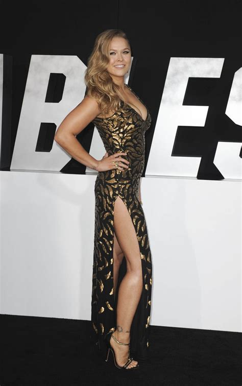 how much does ronda rousey bench ronda rousey pictures rhonda rousey pinterest sexy