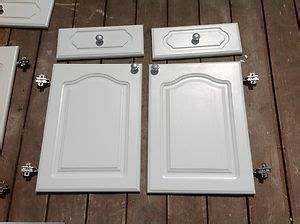 White howdens cathedral style kitchen cabinet doors drawer fronts