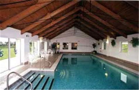 Self Catering Cottages With Indoor Swimming Pool by Cottages In Cornwall With A Swimming Pool For Self Catering Holidays In Country Cottages