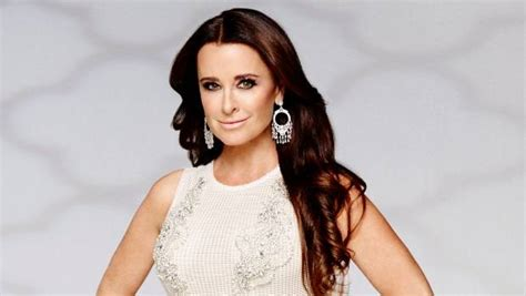hair style from housewives beverly hills real housewives of beverly hills star kyle richards shares