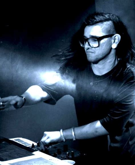 skrillex discography skrillex biography birth date birth place and pictures