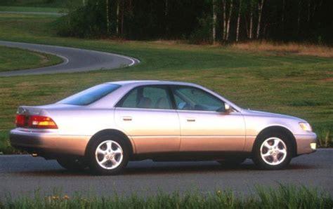 1997 lexus es300 review used 1997 lexus es 300 pricing for sale edmunds
