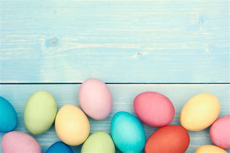 easter egs all easter egg dyes to make at home reader s digest