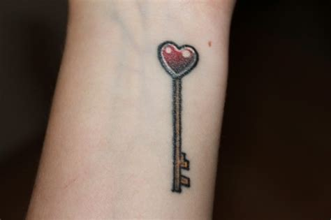 simple key tattoo designs 31 simple key tattoos images pictures and design ideas