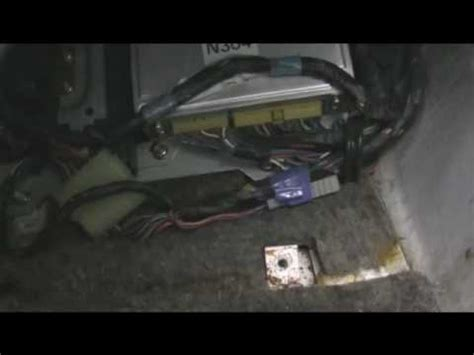 how to remove your ecu before pulling your motor. the