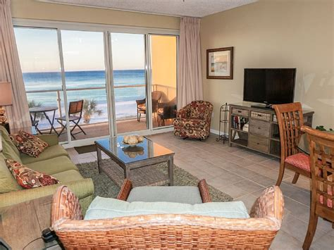 2 bedroom condos in destin fl beachfront renovated 2br 2ba free beach service quot life