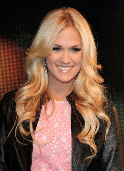 carrie underwood long blonde romantic curly hairstyles