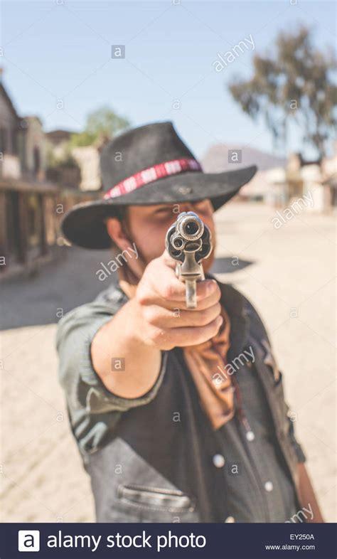 emoji film frau pistole pflanze mann pointing up stockfotos pointing up bilder alamy