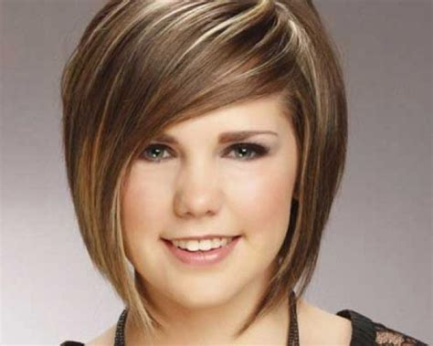 hairstyles to slim down a round face 15 collection of short hair for chubby cheeks