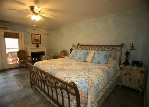 bed and breakfast wimberley tx special deals and packages at creekhaven inn bed and