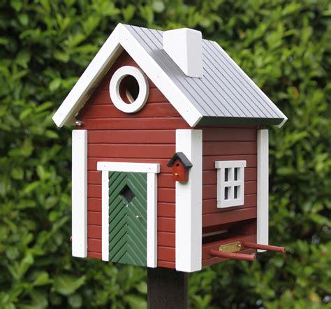 kleines schwedenhaus kleines schwedenhaus futterhaus nistkasten vogelhaus in