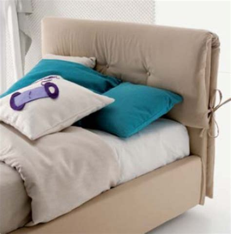 testiere letto in tessuto dielle letto imbottito con testiera a cuscini