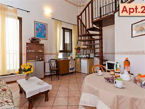 appartamenti con soppalco elegante appartamento con soppalco nel cent homeaway