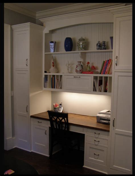 Built In Desk by Share