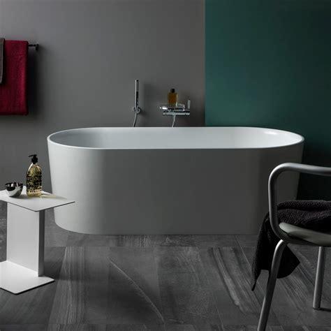 laufen badewanne laufen val oval badewanne freistehend mit 220 berlaufspalt