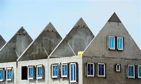 huis kopen of niet startersdilemma nu een huis kopen of niet nrc