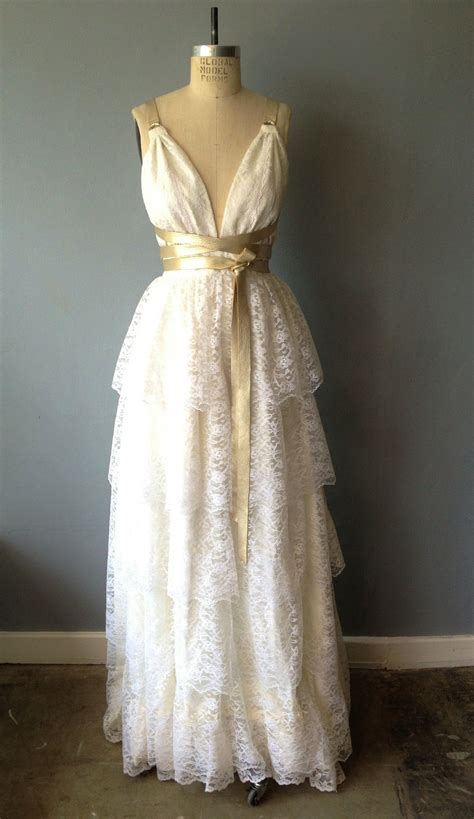 Dress Vintage what to before you shop for a vintage wedding dress