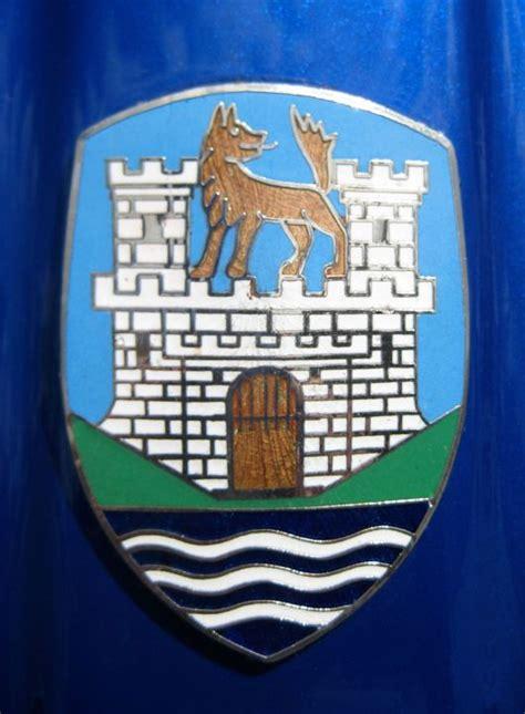 volkswagen wolfsburg emblem the wolfsburg crest cartype