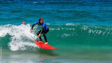 Voyages surf en direct : en famille proposés par les agents locaux Trip Adekua Surf Trip