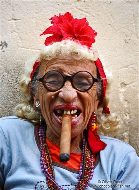 47 old black woman piture cuba havana vedistravel