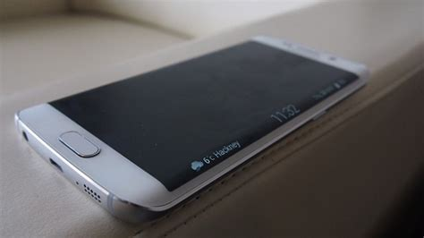s6 samsung screen samsung galaxy s6 edge what can the curved screen actually do