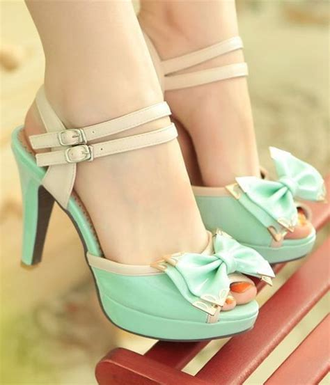 pretty high heel shoes pictures high heel quotes quotesgram