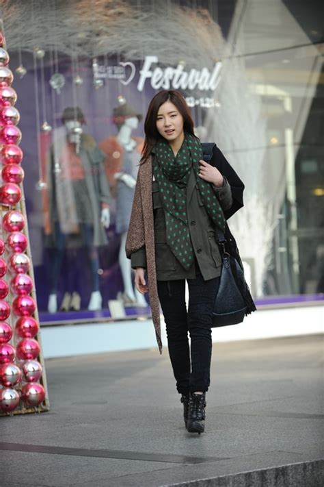 korean actress fashion first look into shin se kyung in quot fashion king quot soompi