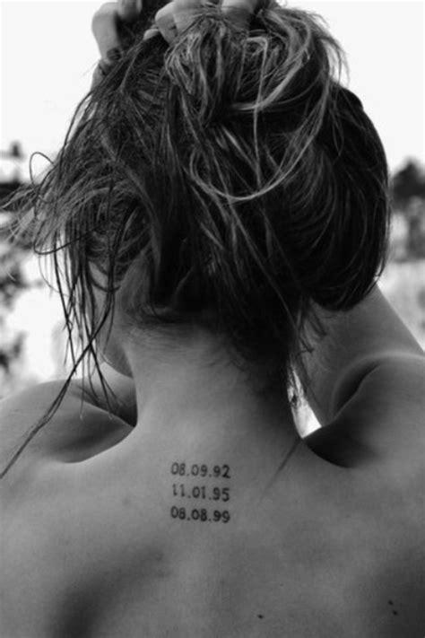 5 tatouages minimalistes pour s inspirerdentelle fleurs
