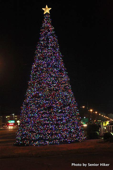 pigeon forge christmas lights joyful reflections more christmas lights from pigeon