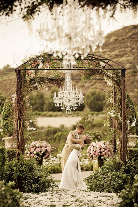 Backyard Astroturf Secret Garden 7 Stunning Summer Wedding Themes For An