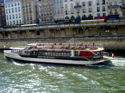 paris by boat the seine travel moments in time travel - Boats On The Seine