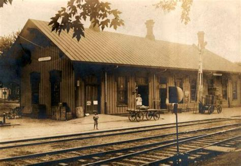 railroad depot clyde ohio 1906 familyoldphotos