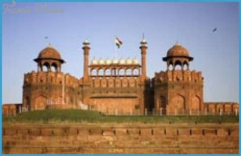 enjoy the journey to new delhi with cheap airfare from hyderabad travelsfinders