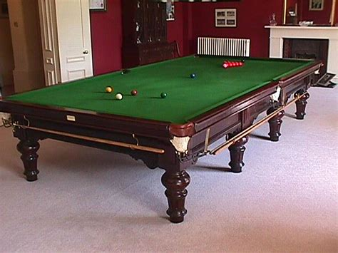 size of a pool table size snooker table