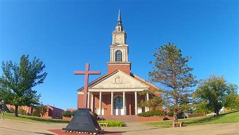 churches shawnee ok