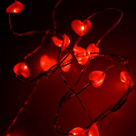 naked wire 20 red hearts indoor static battery operated